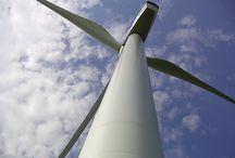 Renewable energy / Indeholder inspiration til vedvarende energier som skulle udfase fossile brændsler.