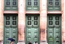 Door ☚