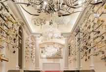 Подсветка картин и предметов искусства / Светильники для подсветки картин обычно являются декоративным элементом, и могут стать дополнительным украшением для комнаты.