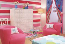 Bedrooms / by Leah Schill