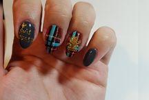 Outlander nails