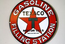 Vintage Signs from Route 66 / A collection of old gas station and other metal signs