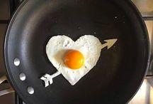 Aυγα.