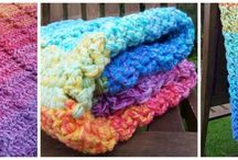 Crochet Baby Blankets / free and paid patterns and inspiration for crocheting baby blankets