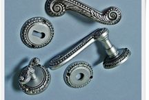 Artykuły mosiężne w srebrze Brass in silver