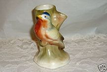 VINTAGE CZECH BUD VASE WITH PRETTY BIRD-MINT-CHECK IT OUT