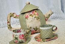 Čajník zo šálkou