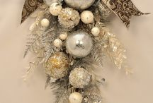 I love WrEaThS! / by Lori Sporer