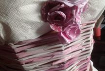 vestiti di carta / all'interno del museo della carta MCM comune di Mele abito da sposa eseguito interamente con carta riciclata