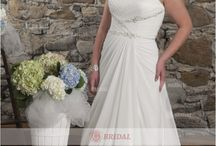 plus size wedding dress / plus size wedding dress