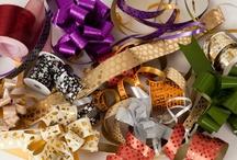Cintas, lazos y cordeles / Lazos auto montables, lazos montados, lazos con flores, rollos de cinta en diferentes materiales, grosor , colores, cintas decorativas. / by La Bolsera .