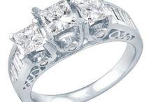 Rings / by Fiji Miji
