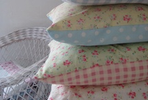 Sew : Vintage Linens / Inspirational photos and projects that have been made with vintage sheets, handkerchiefs and other various vintage linens.