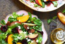 Salad Bowls / Yummy healthy salad bowls. Buddha bowls, grain bowls and veggie bowls. Its a healthy meal in a bowl!