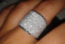 Rings / Rings and Necklas earrings