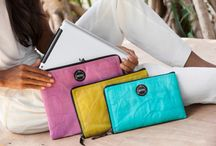 HI TECH BAGS AND ACCESSORIES / Tired of black bags and sleeves? Add some colors to your working days!