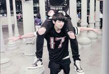 EXO&BTS