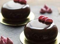 десерт с шоколадной глазурью
