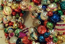 Vintage Ornament Wreaths / by Kathleen Horosinski