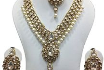 Attractive Indian Bollywood Madhuri Dixit Inspired Kundan Wedding Jewellery Set