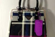 Tas Branded Wanita murah asli Import / Kami menyediakan berbagai macam Tas Import yang menarik dari berbagai merk ternama. Bahan berkualitas dan model terkini hubungi kami untuk pemesanan di 087886746162 / PIN BB 291DFA77