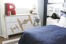 Boy Bedroom / All boy bedroom ideas including decorating, themes, paint colors, DIY beds and wall treatments.  Ideas for all ages from toddler, tween to teenager.