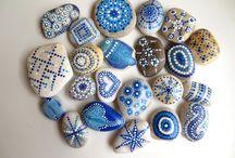 zdobené kameny