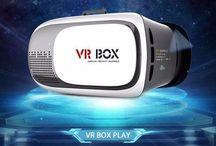 Smart Óculos VR / Os Smart Óculos VR, ou óculos de realidade virtual, são dispositivos inteligentes que proporcionam uma experiência completa em imersão tridimensional para jogos, filmes e aplicativos diversos. Quem experimenta um óculos de realidade virtual pela primeira vez dificilmente consegue disfarçar reações de surpresa, alegria ou espanto, pois você realmente acredita estar vivenciando aquela experiência na prática!