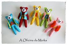 Aprender as Vogais com os Ursinhos / Aprender as vogais com estes simpáticos e, muito fashion, ursinhos é muito mais fácil!  Para mais informações: mensagem privada ou aoficinadamoika@gmail.com