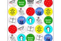 Stickers / Stickers zijn geweldig om een cadeautje of snailmail mee op te leuken! De kraftstickers zijn goed te gebruiken om zelf op te stempelen of handletteren.