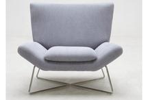 Gris / Le gris est une couleur intemporelle qui s'invite à ravir dans le salon !
