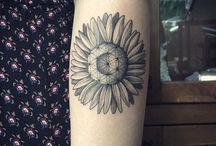 Tatuagens com traços finos