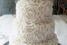 \\ Amazing Cakes // / by Lezaan Brink