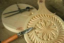 Artisanat Queyras / Travail du bois, rosaces, fabrication de fromages et autres activités artisanales.