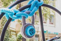 Crochet + knitting - yarn bombing / by Andrea Cuda