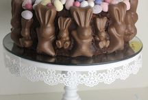 Easter cakes and decorations