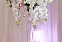 Tall Centerpieces / #Tallcenterpieces add drama and a touch of the WOW factor! Tall Centerpieces help to take up the negative space in venues with tall ceilings