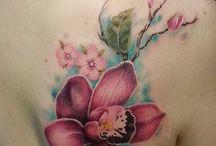 Tatuagem de uma orquídea