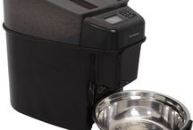 Pet Feeders / Different kinds of pet feeders
