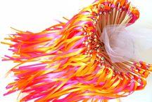 De jolies baguettes rubans pour un grand moment mariage coloré / baguette ruban pour sortie de cérémonie mariage sortie d'église sortie de mairie entrée des mariés