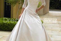 Wedding Dress Ideas / by ToRi Kopetsky