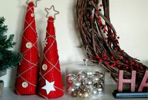 Easy & Inexpensive Holiday Decor / Easy and inexpensive ideas to add a bit of extra merry to your Christmas decor.