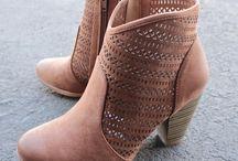pantofi de zi cu toc