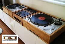 Fused audio and wood together / I created a second turntable case to to pay homage to the vinyl Djs out here