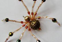 Pavouci z korálků
