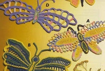 różne ozdoby motylki maskotki itp