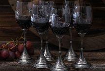 Decorated tableware / Наборы под алкогольные напитки, кофе, чай, столовые приборы и посуда для изысканной сервировки стола – это прекрасный подарок для дома, где умеют хранить предметы искусства.