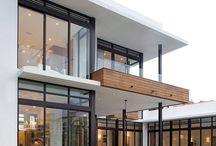 MODERN WHITE HOUSES