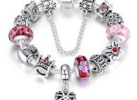 Jewellery / Great range of jewellery for both women and men.