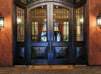 Doors & Entry Ways / by Kari Boyd Sumney
